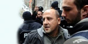 Ahmet Şık Güvenlik Şube ekiplerince gözaltına alındı